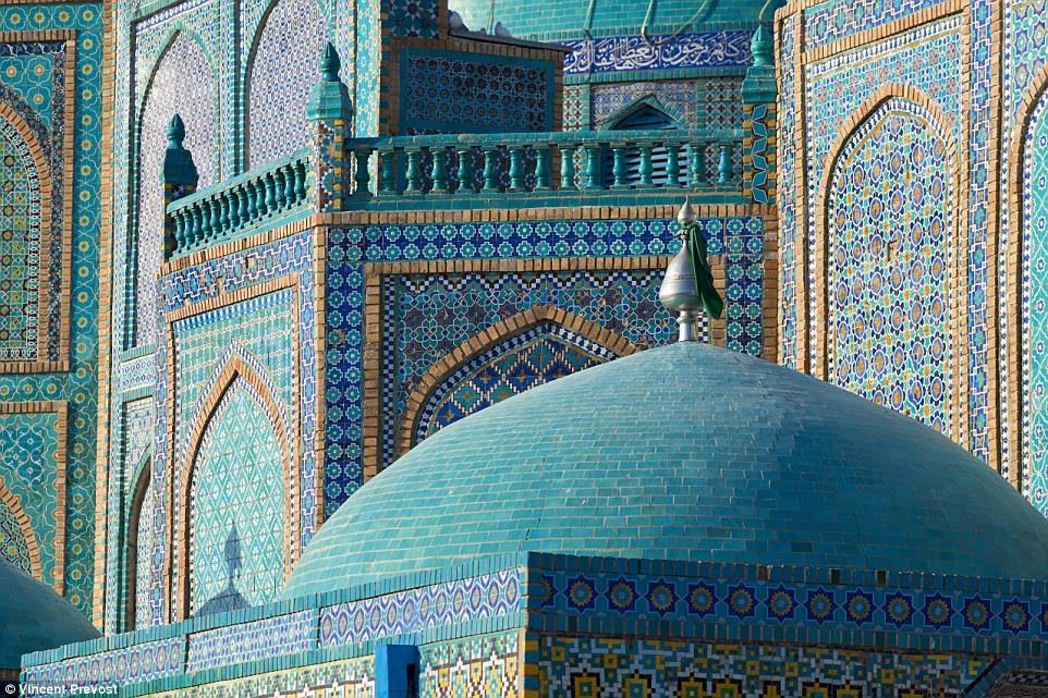 فضل التبرع للمساجد